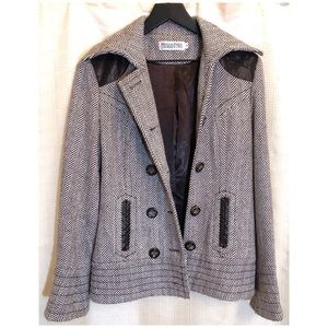 Monoreno Jackets & Coats - MONORENO Wool Blend Jacket w/ Faux Leather Accent